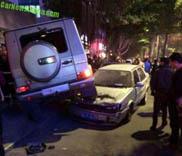 Un Mercedes-Benz G 55 AMG crée le chaos