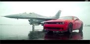 Movie: Dodge Challenger SRT Hellcat versurs an F16 fighter jet
