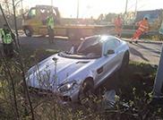 Mercedes-AMG GT S vindt einde tegen een paal