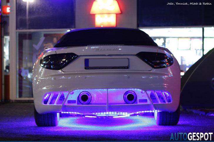 Neon Onder Auto Toegestaan - ARCHIDEV