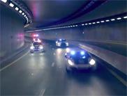 Filmpje: Dubai Police force toont zijn spierballen