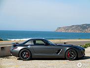 Gespot in het zonnige Cascais: SLS AMG GT Final Edition