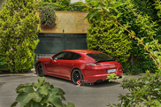 Photoshoot: Porsche Panamera Turbo in Iran