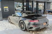 Uniek idee: met de Porsche 991 Turbo uit USA op winterspot in Lech