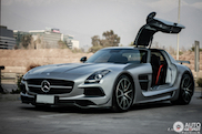 Mercedes SLS AMG Black Series prachtig vastgelegd in Santiago