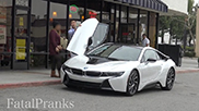 Filmpje: herken golddiggers in een BMW i8