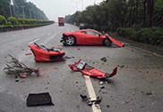This is how you crash a Ferrari 458 Italia