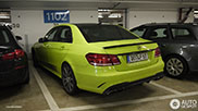 Spotted: green Mercedes-Benz E 63 AMG
