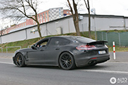 Spyshots: renewed Porsche Panamera Turbo