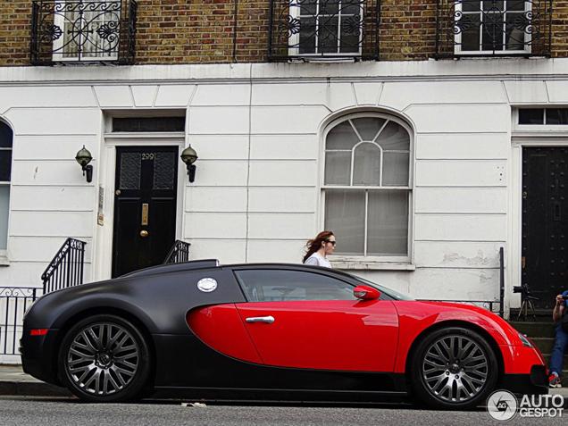 sehr teures gesamtpaket bugatti veyron 16 4 von project kahn. Black Bedroom Furniture Sets. Home Design Ideas