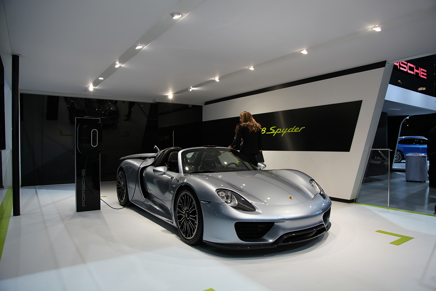 new york 2014 porsche 918 spyder. Black Bedroom Furniture Sets. Home Design Ideas