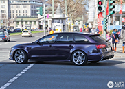 Beautiful in purple: Audi RS6 Avant
