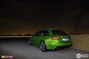 Gespot: Audi RS4 Avant in de kleur Java Green