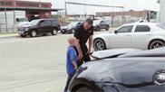 Filmpje: dealer laat droom van kind met leukemie uitkomen