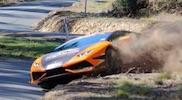 Un Lamborghini Huracán se sale de la carretera!