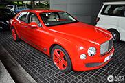 Gespot: Bentley Mulsanne is wel heel rood