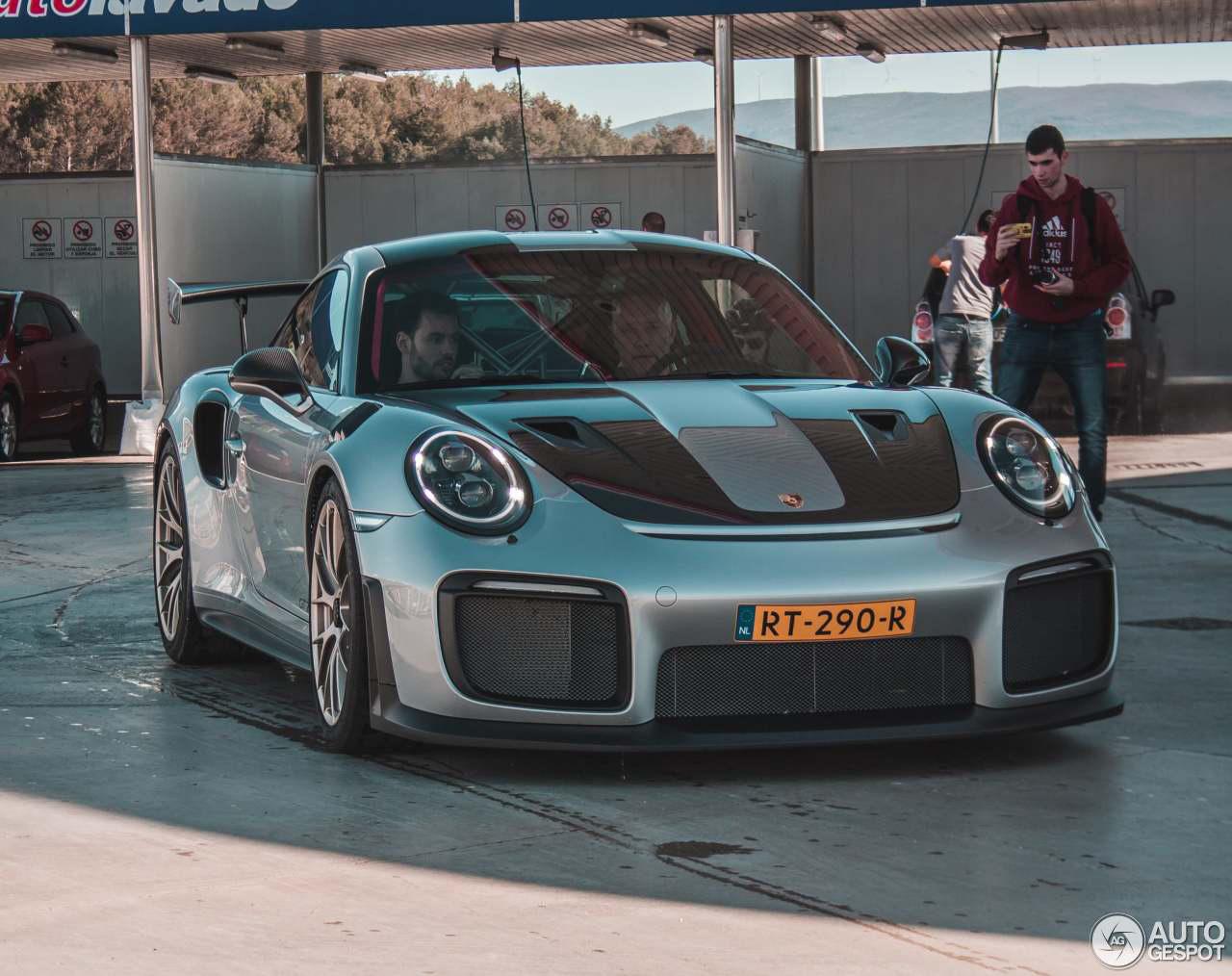 Nederlandse pers mag met de Porsche 991 GT2 RS spelen