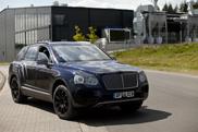 Bentley Bentayga verliest steeds meer camouflage