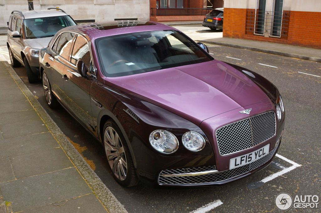 Two-tone Bentley Flying Spur is erg gewaagd