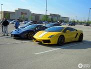 Blauwe Ferrari 458 Speciale is helemaal niet saai