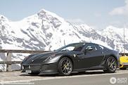 Lekker cruisen met je Ferrari 599 GTO in de bergen