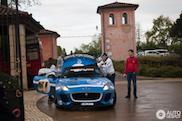 Gumball 3000: Jaguar Project 7 van Team Masters of Speed