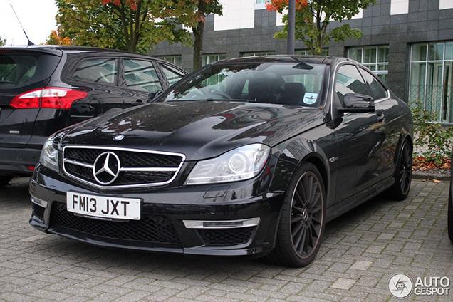 C Classe car - Color: Black  // Description: amazing