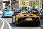 Oranje Lamborghini Aventador LP750-4 SV Roadster fleurt je dag op