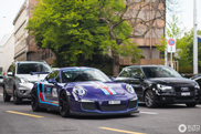 Ultraviolet Porsche GT3 RS met Martini striping matched niet lekker