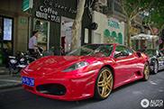 Chinees kiest voor twee kentekens op zijn Ferrari F430