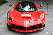 First LaFerrari spotted in China