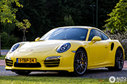 Porsche 991 Turbo S is geel als Tweety