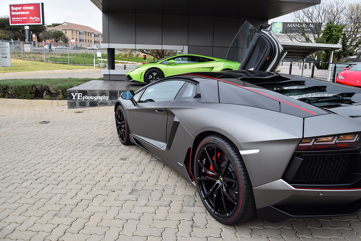 Photoshoot Lamborghini Aventador Pirelli Edition