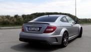 Mercedes-Benz C 63 AMG Black Series en Nissan 370Z gaan los