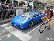 Smurfblauwe Diablo SV is potig in Melbourne