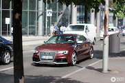 Gespot: Audi RS5 met kek kleurtje