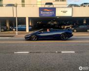 Rijden in een Lamborghini Diablo Roadster maakt je cool