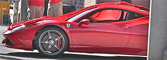 First live pictures of the Ferrari 458 Speciale!