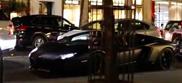 Filmpje: Lamborghini Aventador LP700-4 krijgt appel toegegooid