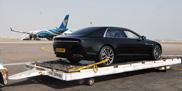 Aston Martin laat pre-productie Lagonda zien in Oman