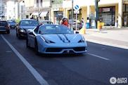 Ferrari Speciale Aperta viert vakantie in eigen land