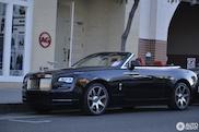 Rollen door Beverly Hills met de Rolls-Royce Dawn