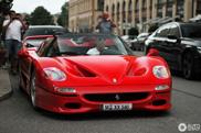 Eigenaar Ferrari F50 kan parkeerboete niks schelen