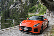 Sublieme F-TYPE SVR in Zwitsers landschap