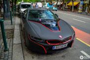 Deze BMW i8 zit vol met contrast