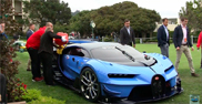 Filmpje: Bugatti Vision GranTurismo zit zonder benzine