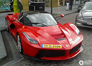 Topspot: LaFerrari in Turkey
