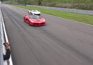 Filmpje: McLaren P1 neemt het op tegen LaFerrari