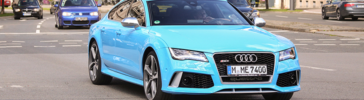 Gespot: Audi RS7 Sportback in de babyblauw