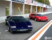 Twee Lamborghini Countaches op bedevaart naar Reims